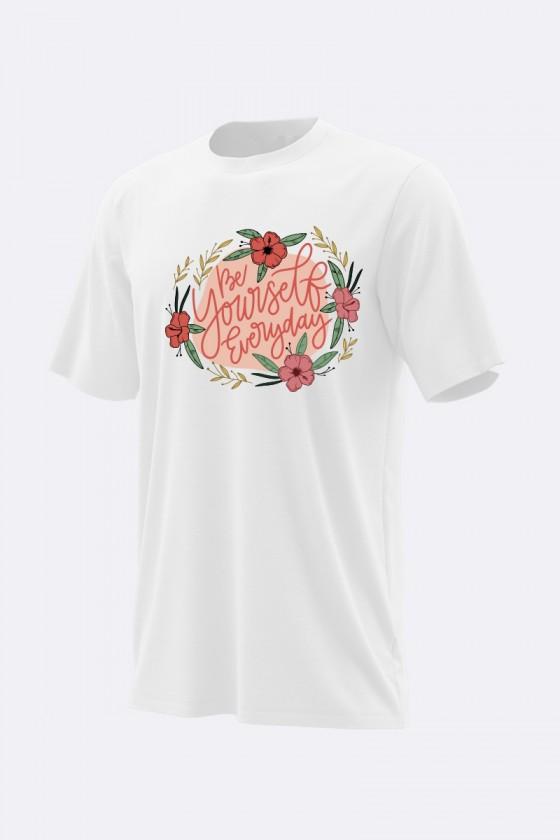 "Camiseta ""be yourself.."""